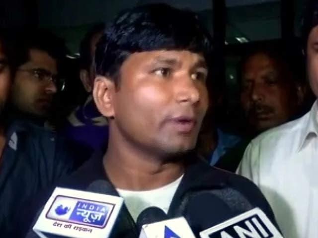Video : पूर्व सैनिक ग्रेवाल के बेटे का आरोप- राहुल गांधी से मिलने की कोशिश पर पुलिस ने की मारपीट