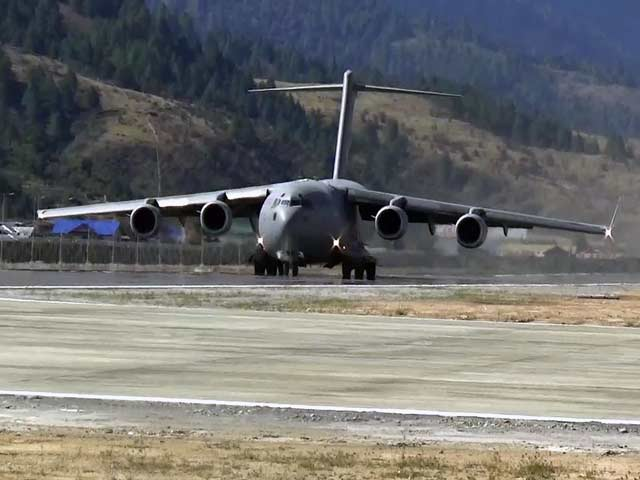 Video : चीन की सीमा के पास भारत ने उतारा C-17 ग्लोबमास्टर विमान