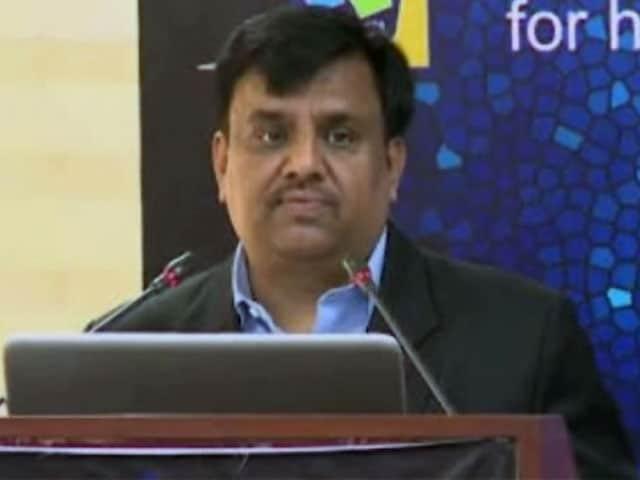 Video : दिल्ली के बिजली सचिव सुकेश जैन को उप राज्यपाल नजीब जंग ने हटाया