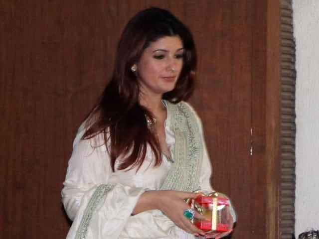 Video : Have Begged Karan To Censor 3 Lines I Said: Twinkle Khanna