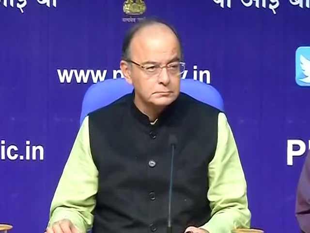 Video : Arun Jaitley Says Currency Ban A 'Massive Operation', Hails Bank Employees