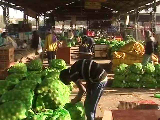 Video : A Week On, How Banning Rs. 500, 1000 Notes Are Impacting Wholesale Markets