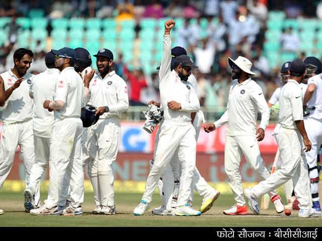 Videos : दूसरा टेस्ट : गेंदबाज़ों के शानदार खेल के बूते इंग्लैंड को हराया टीम इंडिया ने