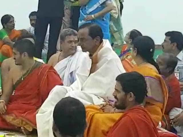 Video : Chief Minister KCR Moves Into New 9-Acre Home, Complete With Bulletproof Windows