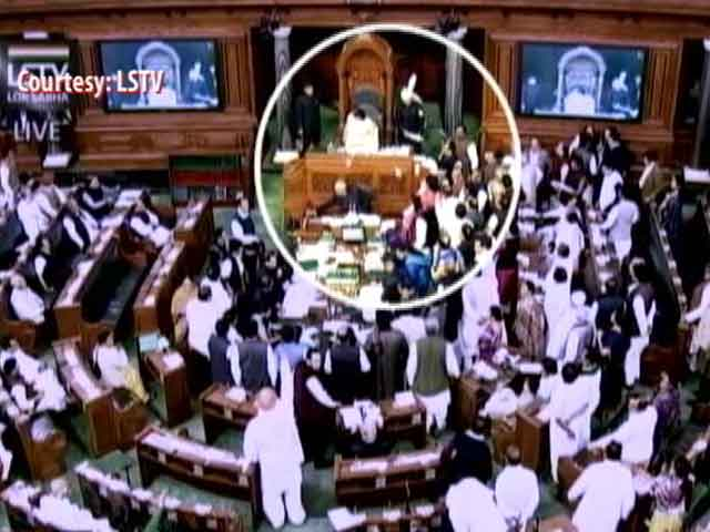 Video : Papers Thrown At Lok Sabha Speaker Sumitra Mahajan By Samajwadi Lawmaker Akshay Yadav
