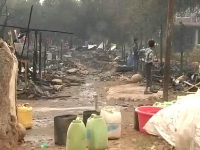 Video : जम्मू के नारवाल में झुग्गी बस्ती में लगी आग, 3 लोगों की मौत
