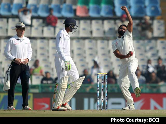Video : Mohammed Shami Most Impressive Indian Bowler on Day 1: Sunil Gavaskar