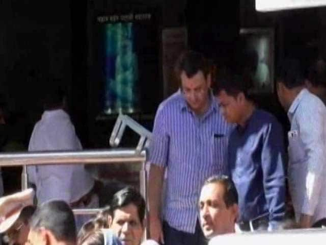 Video : Cyrus Mistry Visits Shani Temple, Says 'Everything Will Be Fine'