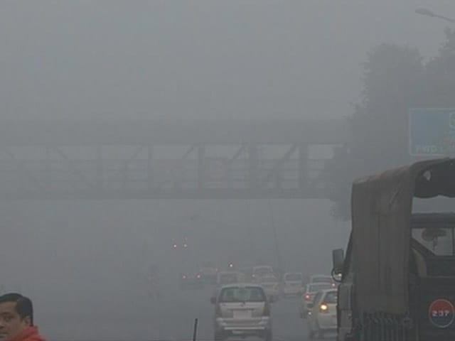 Video : Thick Fog In Delhi, North India, Flight Operations Affected