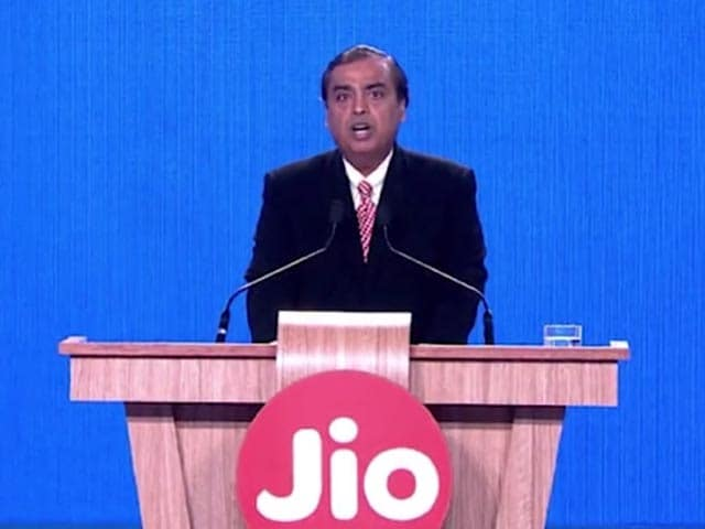 Video : 360 Daily: Reliance Jio's 'Happy New Year' Offer, Download From Netflix, and More