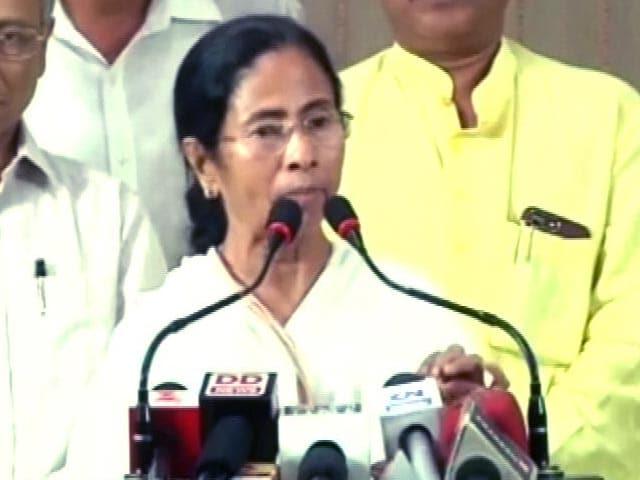 Videos : बंगाल में सेना की तैनाती पर संसद में हंगामा, रक्षामंत्री ने दिया जवाब