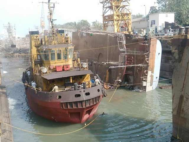 Video : Navy To Salvage Rs 600 Crore INS Betwa Which Lies On Its Side Flooded