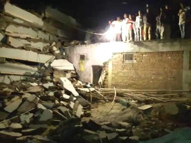 Video : 10 Feared Dead As 6-Storey Building Collapses In Hyderabad