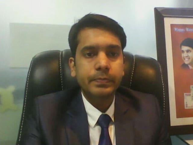 Video : Buy Tech Mahindra For Target Of Rs 500: Sumeet Bagadia