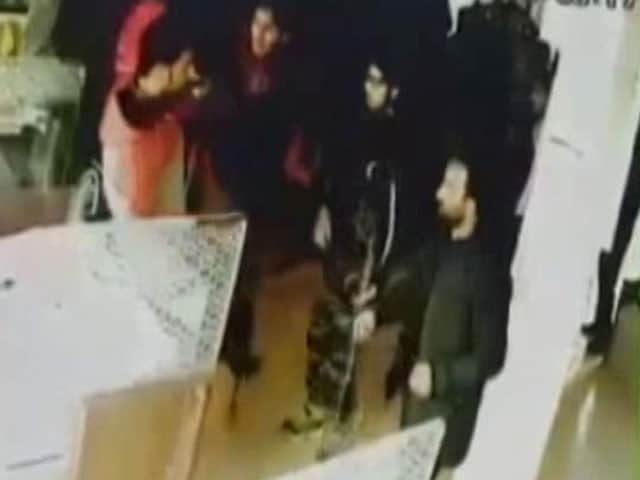 Video : Jammu And Kashmir Bank Robbery Caught On Camera