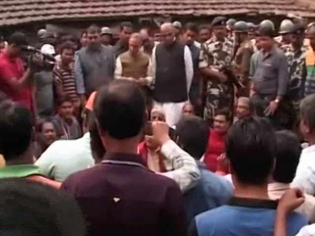 Video : BJP Team Stopped From Entering West Bengal's Howrah After Communal Clashes