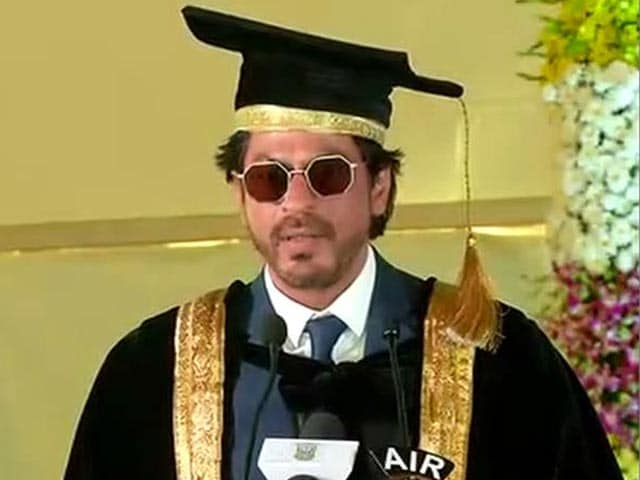 Video : Shah Rukh Khan Gets Honorary Doctorate From Hyderabad University