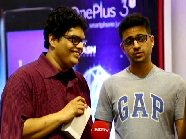 Video : Candid With AIB