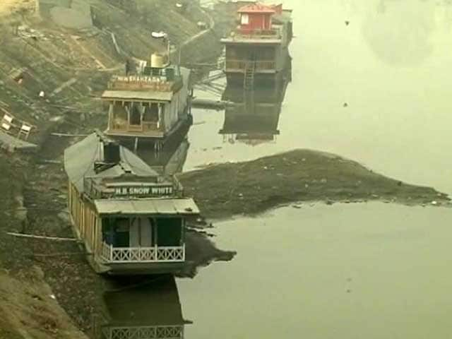 Video : Dry Spell Hits Jammu And Kashmir As Jhelum's Water Level Hits 60 Year Low