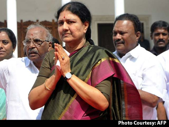 Video : Call For 'Chinnamma' Sasikala Natarajan As Chief Minister Begins In Party