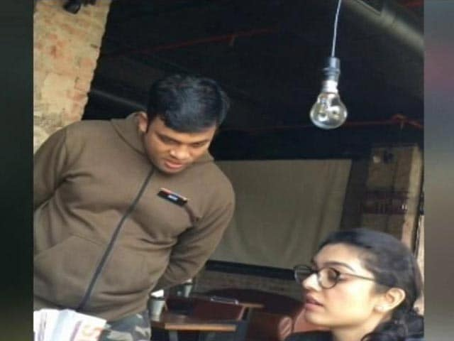 Video : Restaurants Turn Deaf Ear To Government, Insist On Service Charge