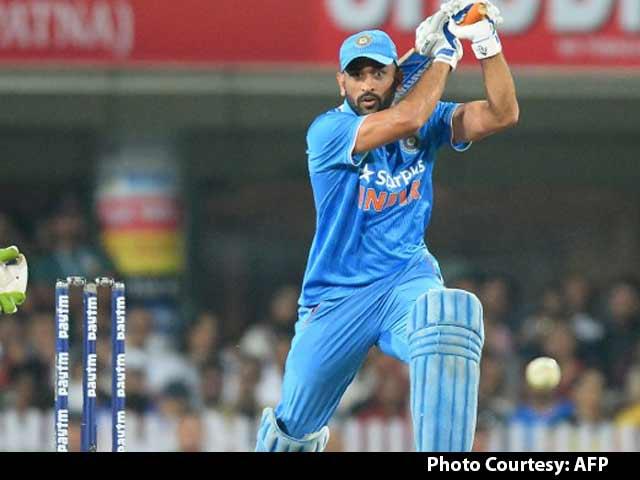 Sunil Gavaskar Not Surprised by MS Dhoni's Decision to Quit as Captain