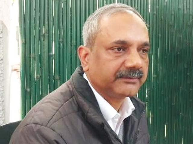 Videos : अरविंद केजरीवाल के पूर्व सचिव राजेंद्र कुमार ने मांगा वीआरएस
