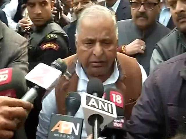 Video : No Dispute With Akhilesh, Says Father Mulayam Singh Amid 'Cycle' War