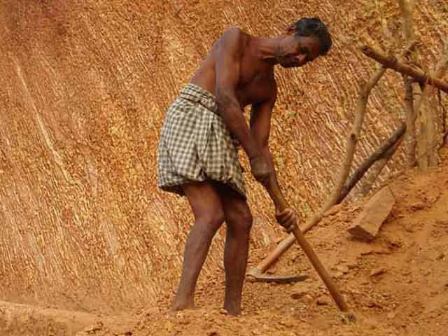 Video : Kerala Man, Semi-Paralysed, Has Dug For 3 Years. Finally, He Has A Road