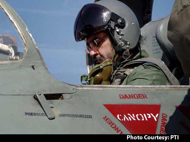 Video : Air Force Chief BS Dhanoa Flies MIG-21 Fighter Solo