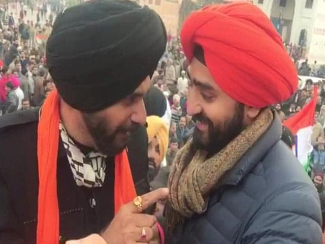 Video : Navjot Sidhu, In Constituency Amritsar, Takes 6 Hours To Reach Golden Temple