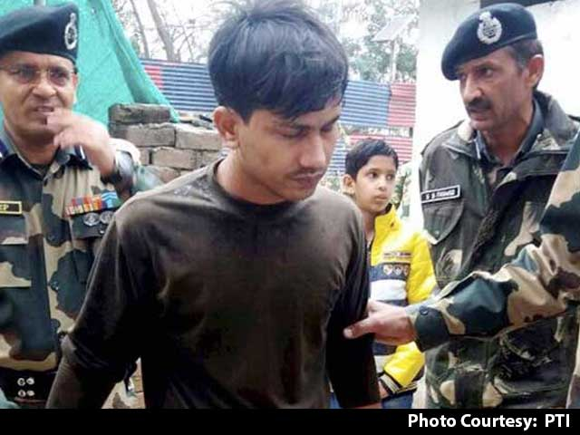 Video : Pakistan Hands Over Soldier Who Had Inadvertently Crossed Line of Control Last Year