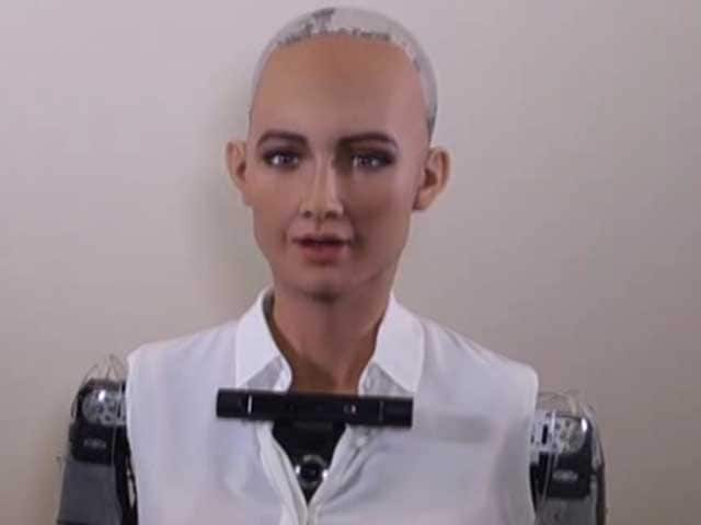 Video : Robots Take Over Davos