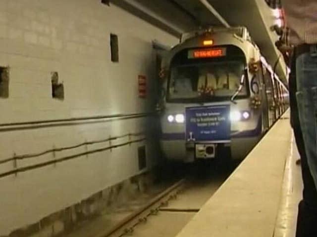 Video : दिल्ली : मेट्रो ऐप में मिलेगी रिचार्ज की सुविधा