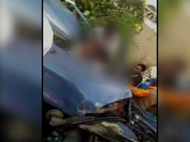 Video : As Mysuru Policeman Lay Dying After Accident, Many Stopped. For Photos