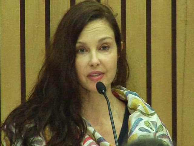 Video : Actress Ashley Judd Reveals She Was 'Molested At 7, Raped At 14'