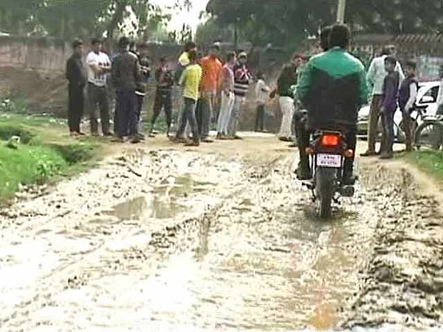Video : After No House No Vote, Now It's No Road No Vote