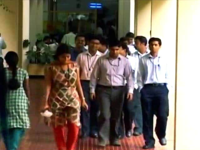 Video : In H-1B Visa Impact, Top 5 Indian IT Firms Lose 50,000 Crores In Market Value