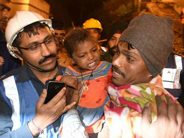 Video : 5 Dead, 25 Feared Trapped In Kanpur Building Collapse, 3-Year-Old Rescued