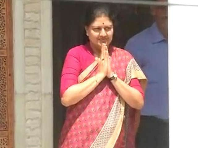 Video : Governor To Meet Sasikala, Supporters Today