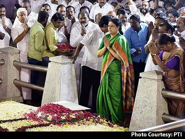 Video : Tamil Nadu Political Crisis: Mystery Of The Missing MLAs