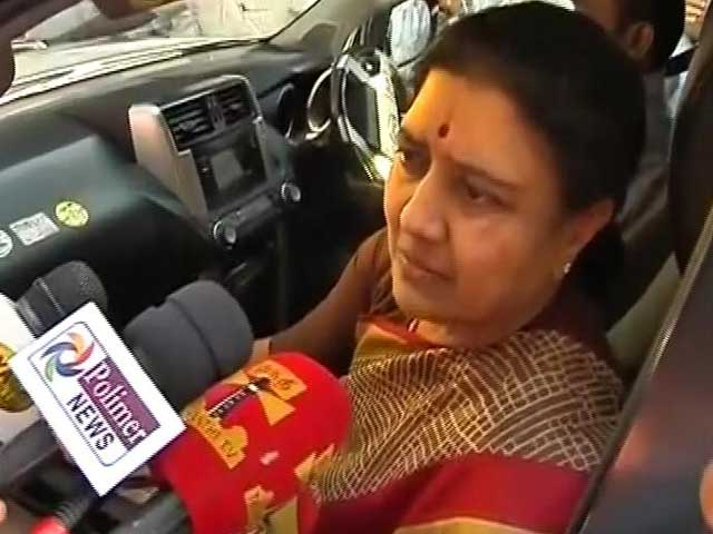Video : 'Tough For A Woman To Be In Politics': Sasikala In Second Meet With Legislators