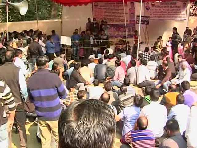 Video : Most Of Delhi Uber Drivers Call Off Strike, Commuters Still Face Trouble
