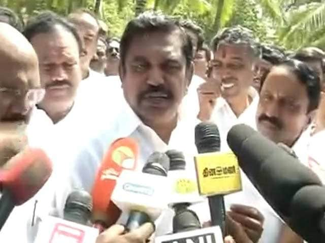 Video : E Palanisamy, Elected Leader Of AIADMK, Makes Big Move