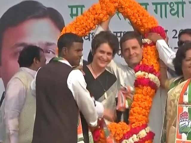 Video : We Were Shown <i>DDLJ</i>'s SRK, Got <i>Sholay</i>'s Gabbar Singh: Rahul Gandhi Jabs PM