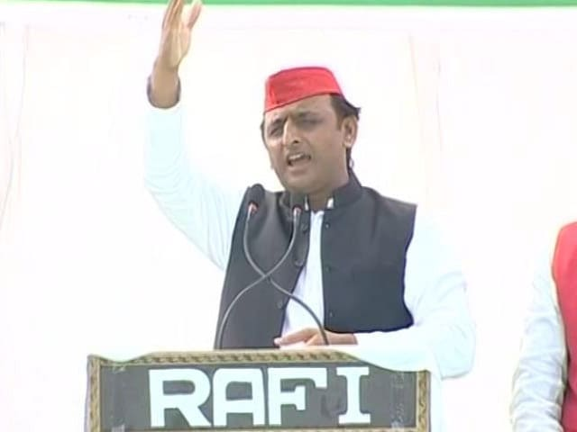 Video : '<i>Ganga Ki Kasam</i>': How Akhilesh Yadav Responded To PM's '<i>Bijli</i>' Barb