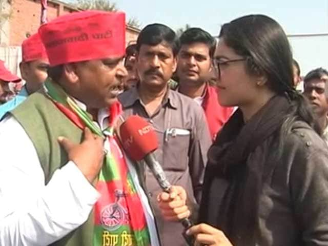 Video : After PM's Taunt, Rape-Accused Minister Not On Stage With Akhilesh Yadav