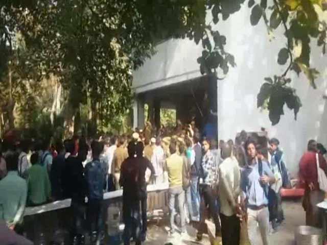 Video : JNU's Umar Khalid Was To Speak At Delhi College. Then Protests Started.