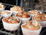 Video: Apple and Oatmeal Muffins