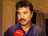 Video: Actor Sarathkumar collects blankets for people battling cold